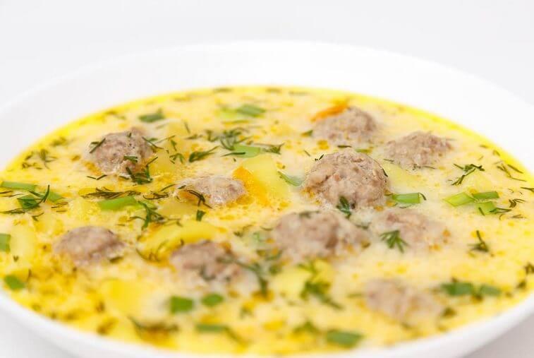 фото супа с фрикадельками и сыром
