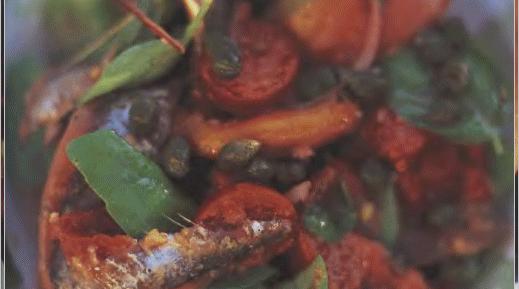 Хлебный тосканский салат с помидорами и перцем