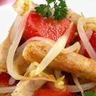 Салат с клубникой и курицей фото