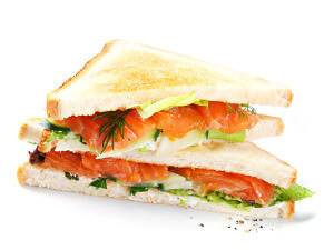 Сэндвич с лососем и авокадо фото