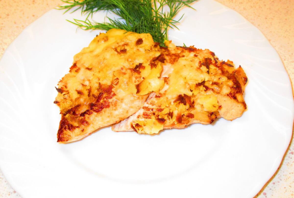Куриное филе с ананасами с сыром в духовке рецепт с пошагово в