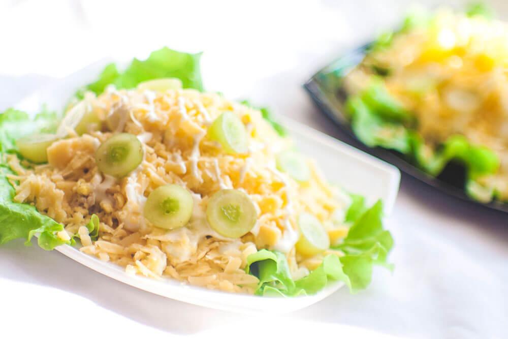 фото салата с крицей и ананасами