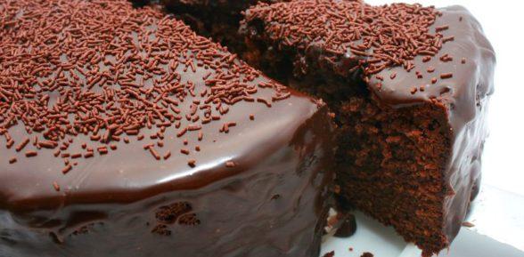 Рецепты шоколадного кекса в мультиварке: фото и рекомендации