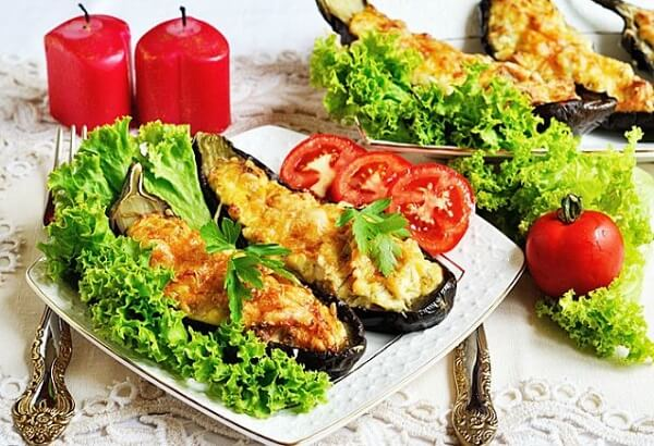 Баклажаны с овощами и кус-кусом