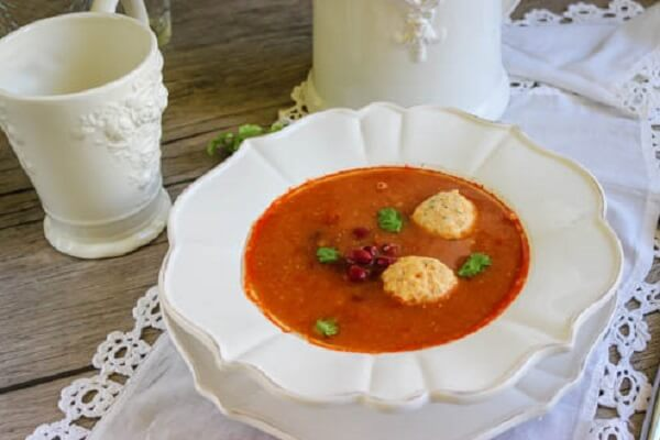 Суп из консервированной фасоли с фрикадельками