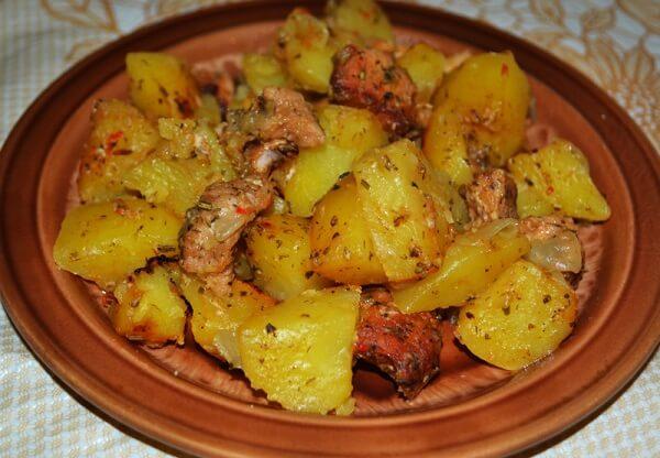 Мясо с картошкой в рукаве в дузовке