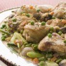 Куриное фрикасе с зеленым горошком и овощами