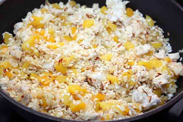 Рис с курицей и вином