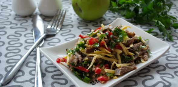 Восточный салат с мясом – кулинарная классика