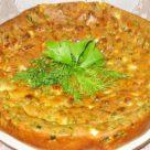 Наливной пирог с луком яйцами и шпинатом