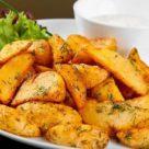 Картофель с чесноком и укропом в духовке