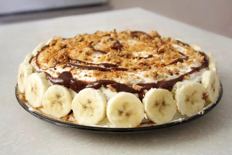 Бисквитный торт с бананами и сгущенкой