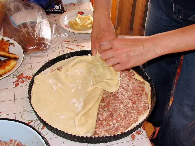закрыть пирог сверху