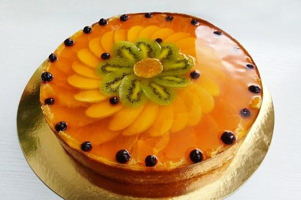 торт с желе из фруктов