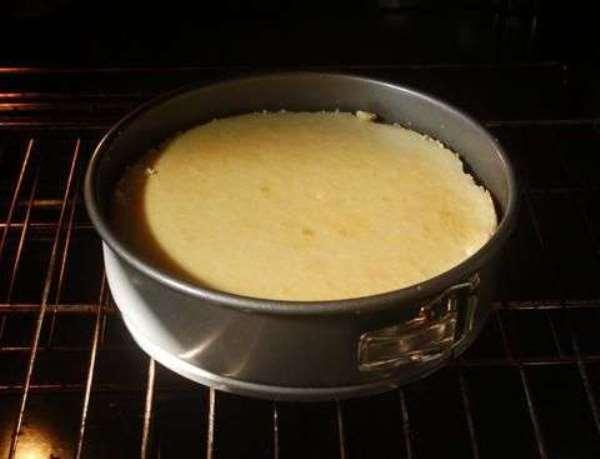 выпечь бисквит в духовке