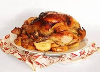 Курица в рукаве с яблоками