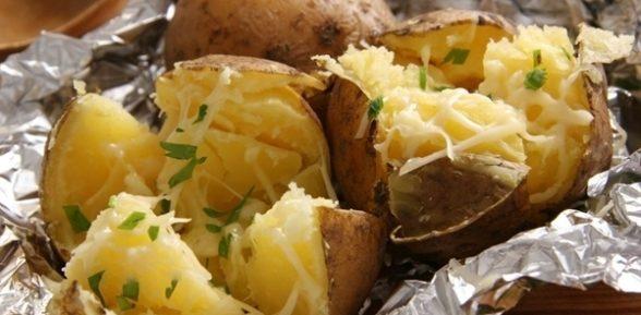 Картошка в фольге с сыром