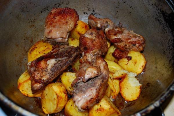 курица с картошкой в казане