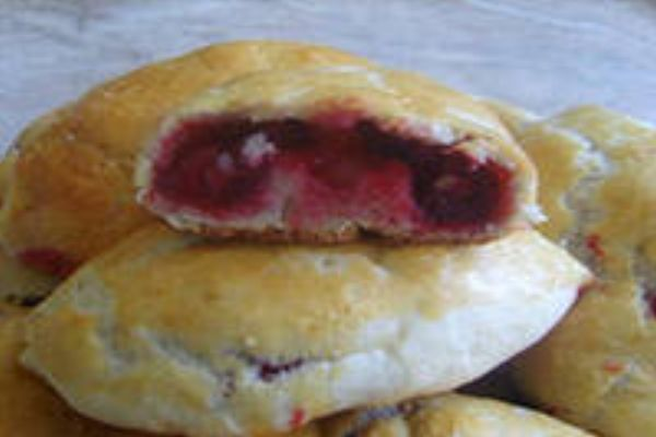 Пирожки с замороженными ягодами