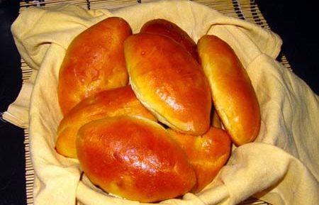 Пирожки на кефире с дрожжами