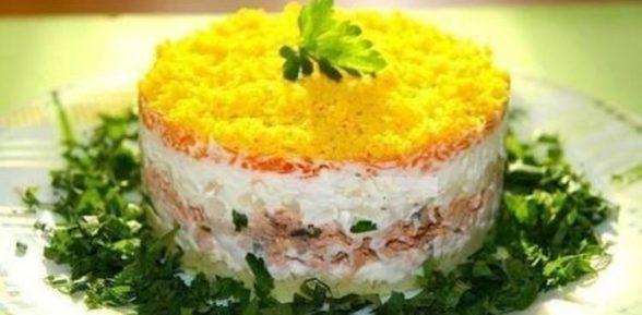 Салат с печенью трески слоями
