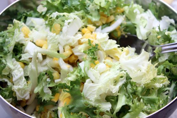 Постный салат с кукурузой фото