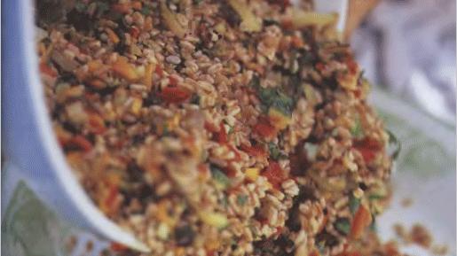 Салат из фарро с печеными овощами
