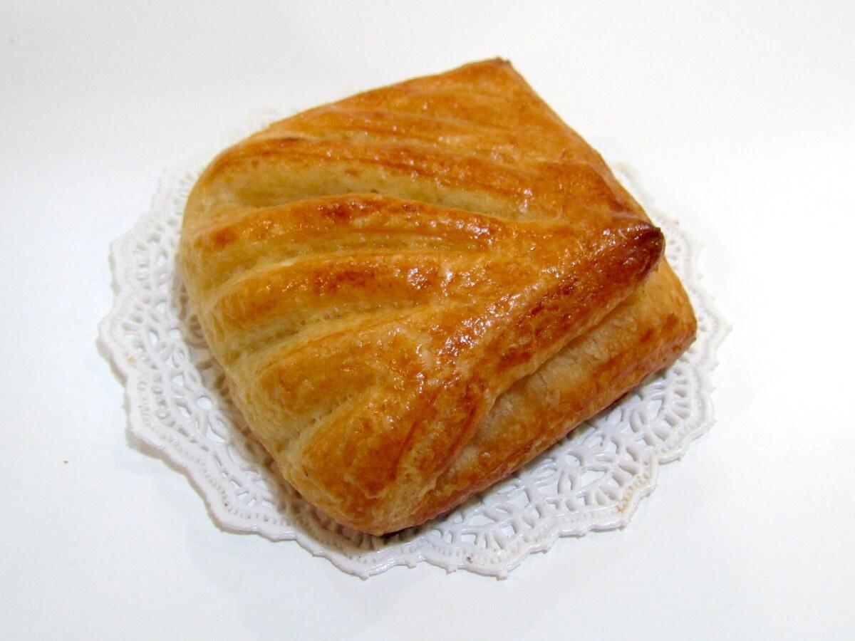 фото слоеной булочки
