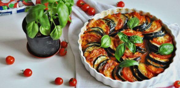Запеченные в духовке баклажаны с мясом: 3 простых рецепта