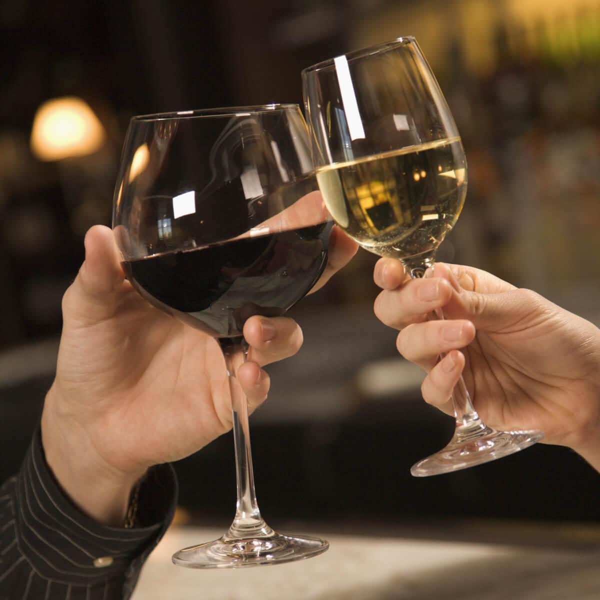 Два бокала вина картинки