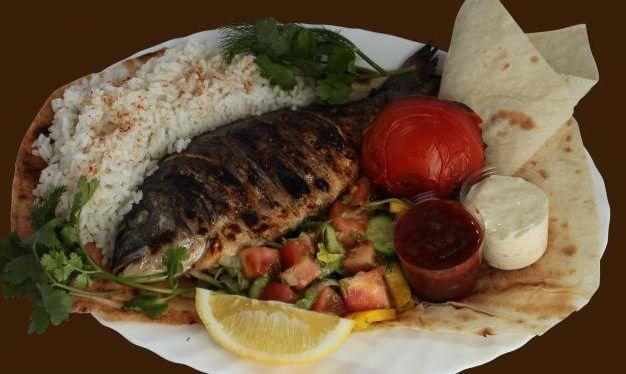 фото рыба на мангале с рисовым гарниром