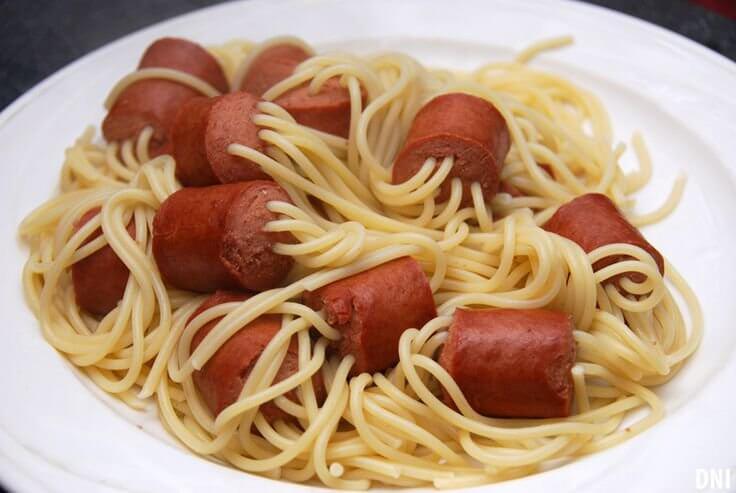 спагетти с сосисками для детей