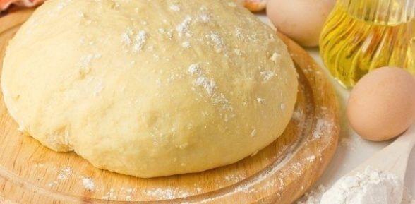 Готовим идеальное дрожжевое тесто для выпечки пирожков (с сухими дрожжами и на молоке)