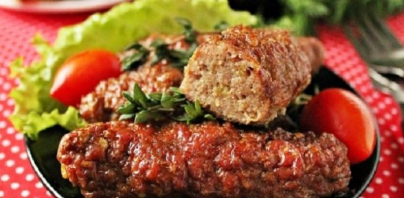 Чевапчичи или сербские колбаски из фарша
