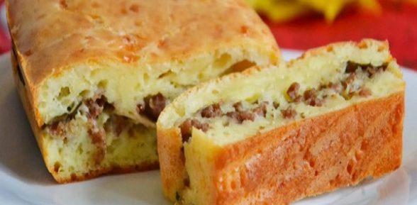 Как приготовить наливной пирог на кефире с мясом?