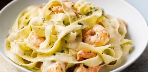 Итальянское блюдо спагетти с морепродуктами — 1