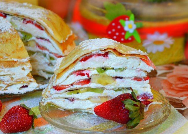 блинный торт с фруктами