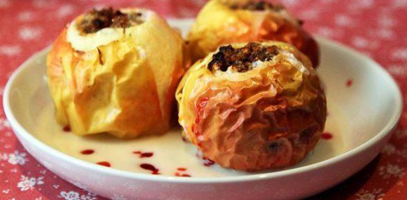 Простые рецепты печеных яблок в духовке: с медом, корицей, орехами