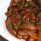 Жареные бобы в томатном соусе
