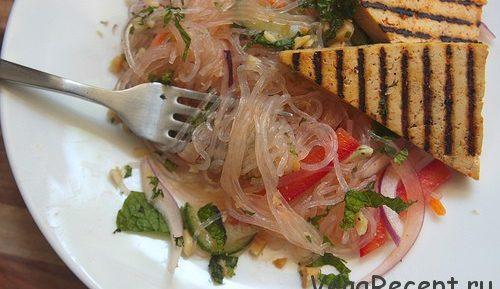 Салат из рисовой лапши или вермишели