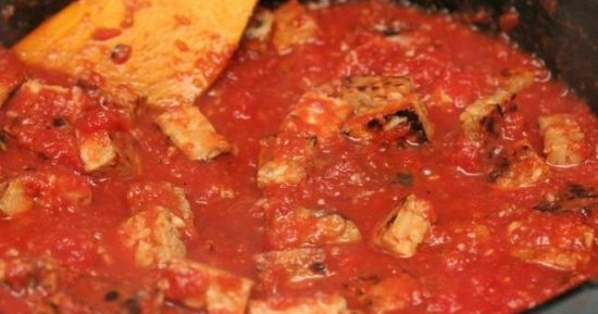 Темпех с томатным соусом