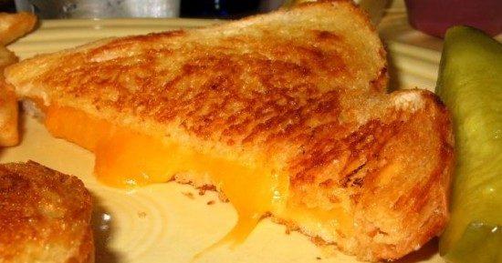 Жареный бутерброд с сыром. Самый простой рецепт