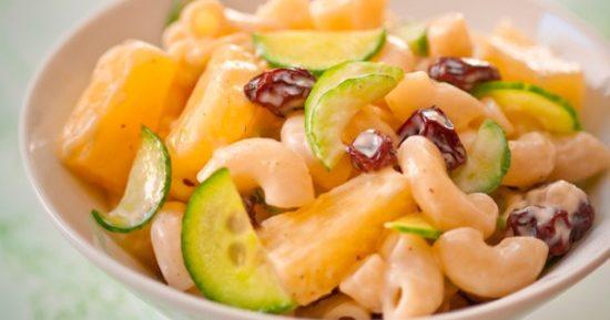 Как приготовить вкусный салат с ананасами