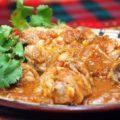 цыпленок в соусе с кинзой