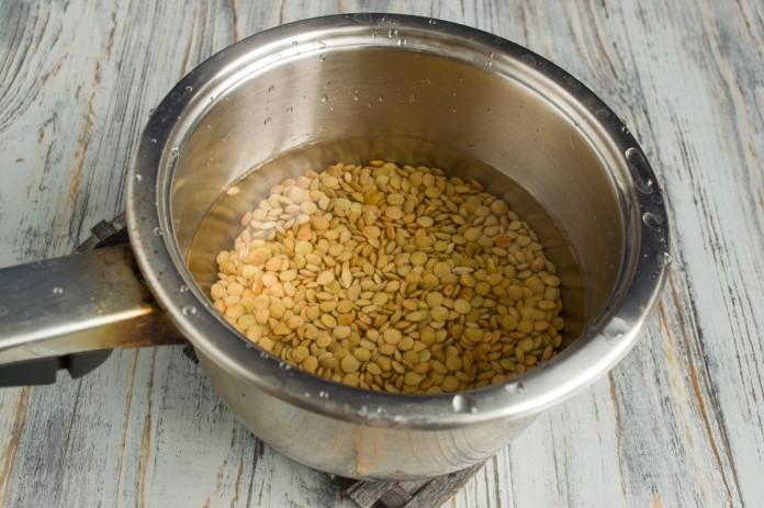 Приготовление супа с чечевицей