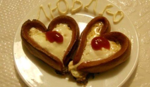 Оригинальная яичница для любящих сердец