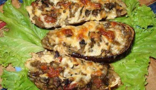 Бутерброд с колбасой и баклажаном