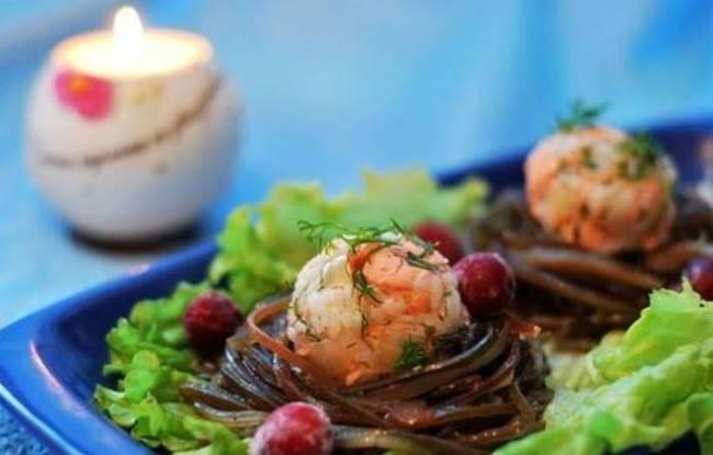 гнезда из морской капусты