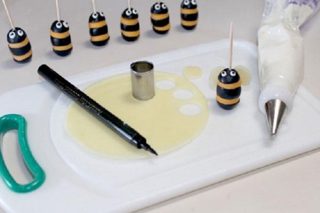 готовая пчелка