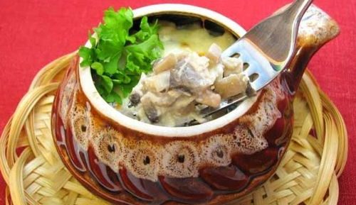 Картошка в горшочках с грибами